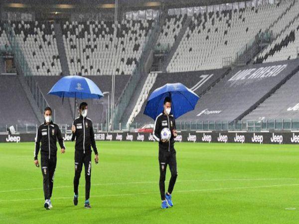 Tin bóng đá trưa 5/10: Bỏ trận đấu với Juventus, Napoli bị xử thua 0-3
