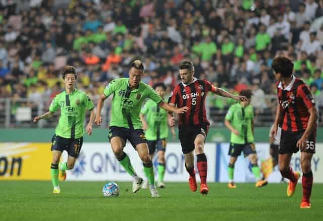 Soi kèo tài xỉu Gangwon vs Jeonbuk Hyundai, 12h ngày 2/10